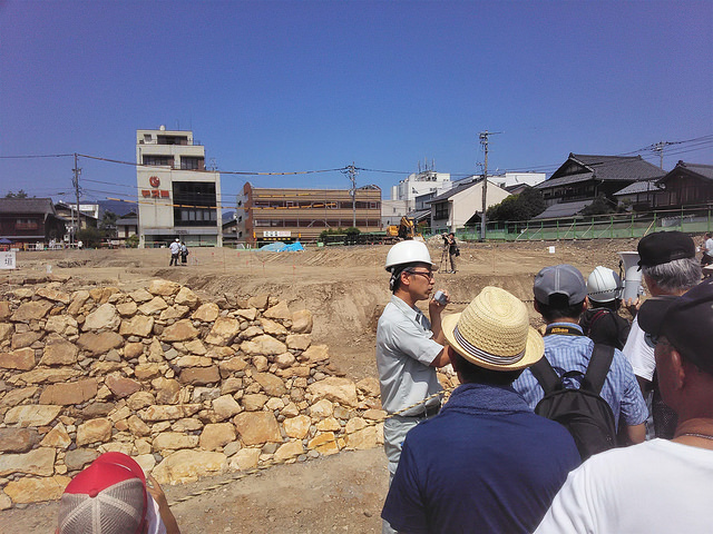photo of public tour of castle excavation, Echizen City, Japan